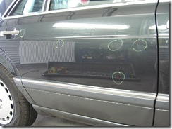 Dellen Beulen in einer Mercedes W126 Tür